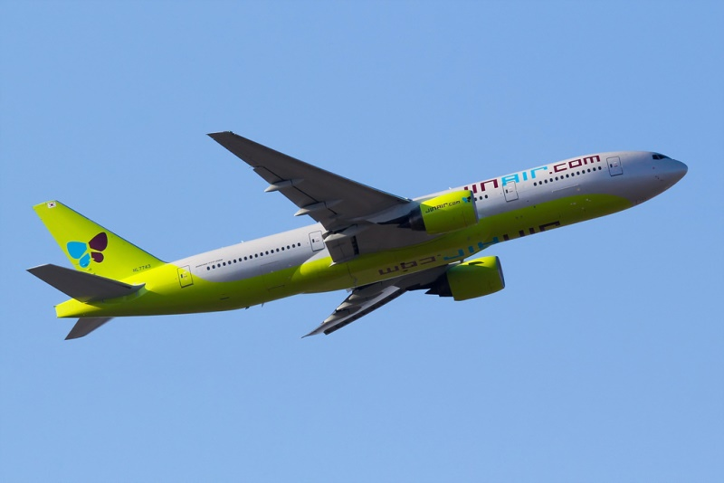 Jin-Air-Boeing-777-200ER - Copy.jpg