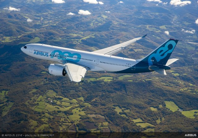 A330-800-MSN1888-first-flight-air-to-air-021.jpg
