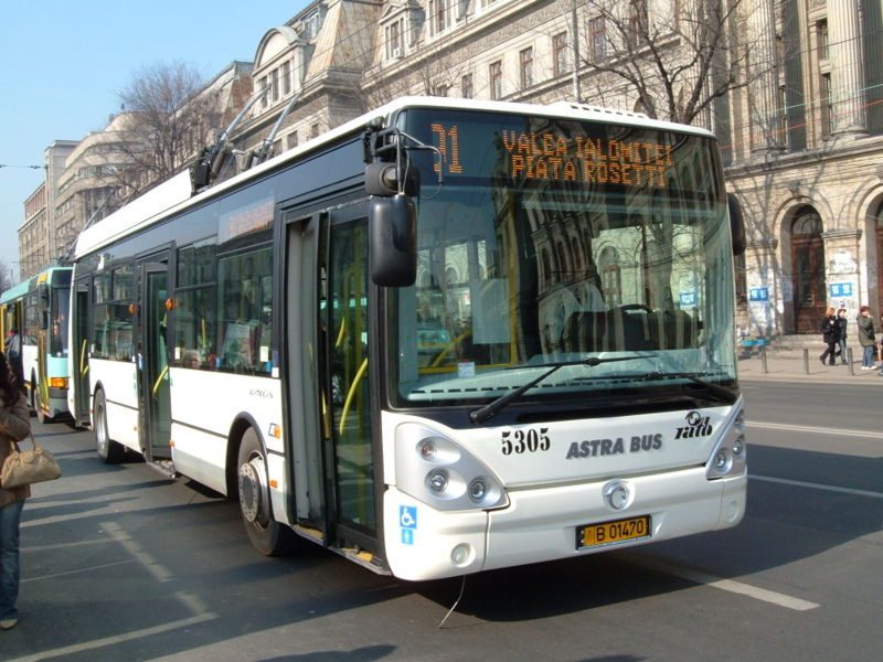 800px_bucharest_irisbus_trolleybus_5305.jpg