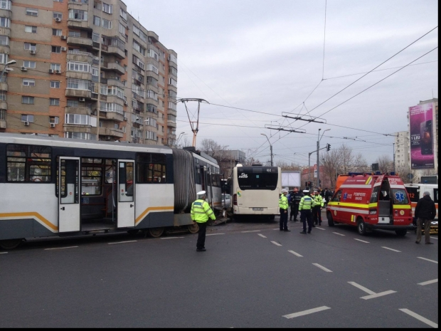 accident_ratb_51634700.jpg