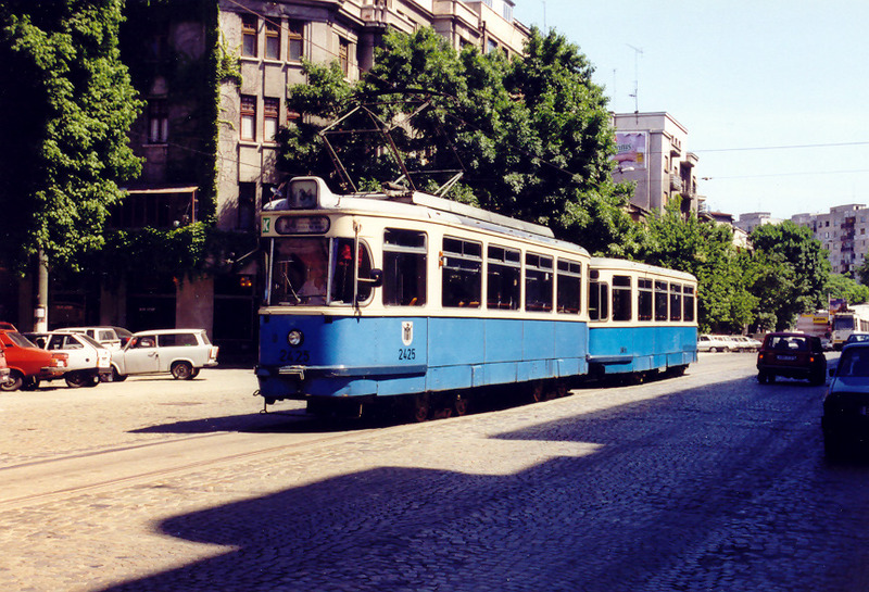 bucharest (2).jpg
