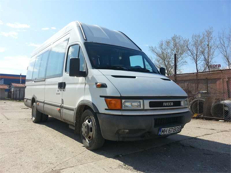 Microbuz Iveco Daily.jpg