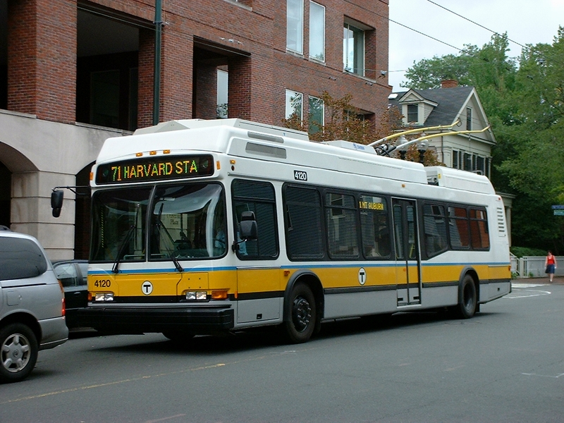 Trolleybus4120.Harvard.jpg